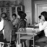 Régen a diákok miért nem emeltek a tanárokra kezet?