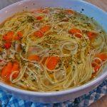 Újházi tyúkleves – semmi egyébre nem vágyom most, mint egy ilyen tányérnyi levesre, jó forrón!