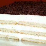 Túrótorta sütés nélkül, ha van otthon egy kis keksz és túró, te is könnyen elkészítheted!