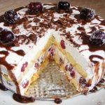 A világ legfinomabb tortája sütés nélkül készül, meggyel és babapiskótával!